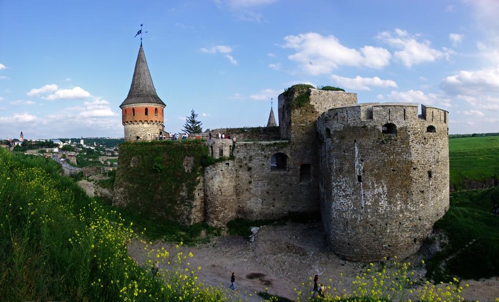Мури та вежі Старої фортеці
