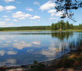 (Українська) «Озеро Святе» – одне з найпривабливіших на Хмельниччині