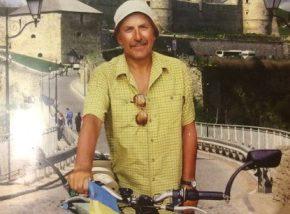 (Українська) Нечуючий мандрівник з Хмельницького Микола Адамчук свої досягнення присвячує найріднішим людям