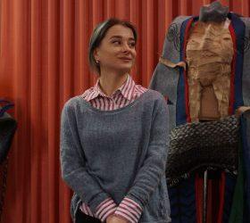 (Українська) У Шепетівці показують український етнічний одяг